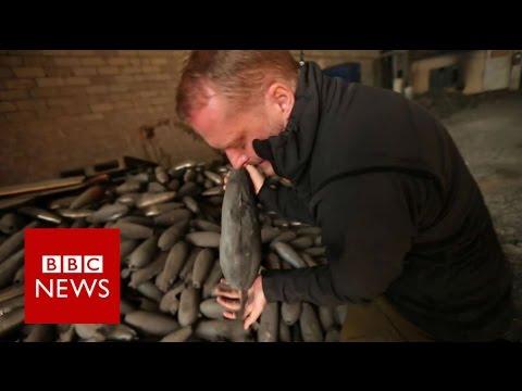 Mosul battle: Inside an IS mortar factory - BBC News
