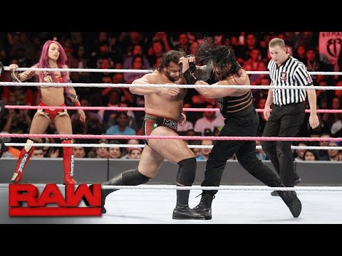 Roman Reigns & Sasha Banks vs. Rusev &...