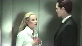 Супер прикол в лифте, Возбудила!Мега РЖАЧ!!!Казус!