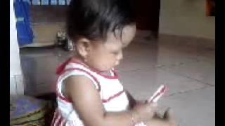 Atifah & Handphone
