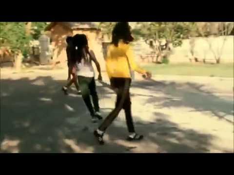 Bob Marley Jugando Futbol En Su Hogar En Kingston Youtube
