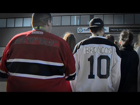 Canadians support Humboldt Broncos with 'Jersey Day'