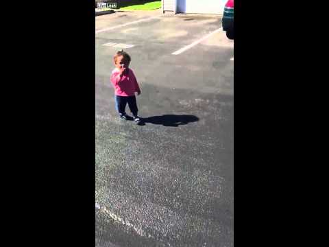 Adorable Little Girl Absolutely Loses It When She Finds Out She Has a Shadow