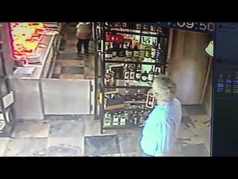 Ladro in azione in un negozio della Valle di Suessola