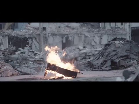 Momo - Niečo s tebou ft. Tomi Popovič |OFFICIAL VIDEO|