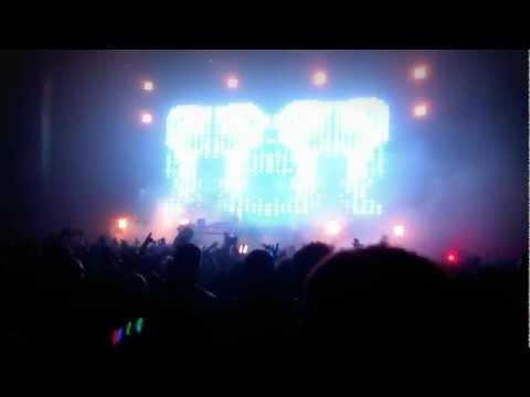 Above & Beyond - Arty - Believe In Me - Vancouver BC