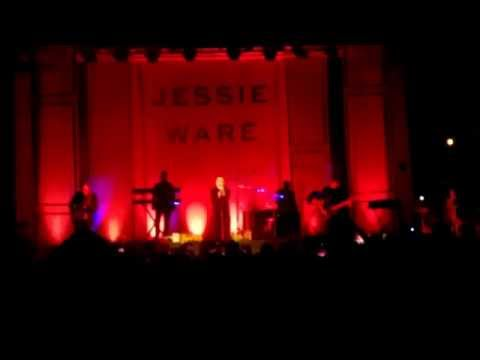 Jessie Ware - Meet Me In The Middle - Moscow Live 2015