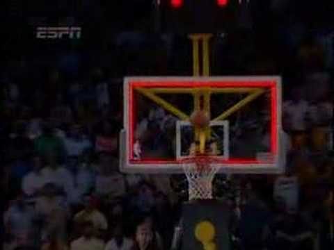 Jordan Farmar Leaps and Hits a Three at the Buzzer