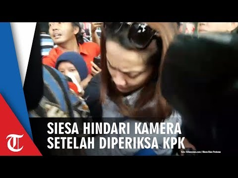 Siesa Darubinta Berusaha Hindari Sorotan Kamera Usai Diperiksa KPK
