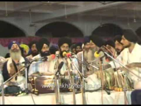 Bhai_Manpreet_Singh_Ji_Delhi_AKJ_2005_Raensabayee_Video_part1of2.wmv