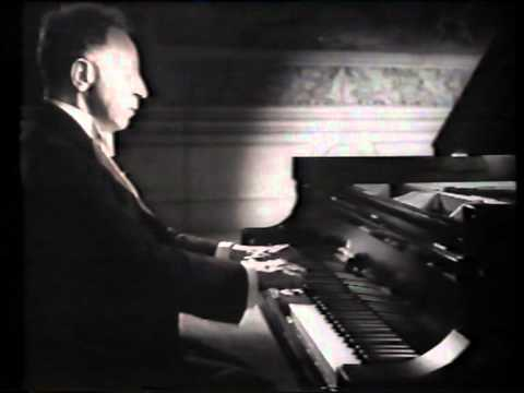 """Artur Rubinstein plays """"Polonaise"""" and """"Ritual Fire Dance"""" at Carnegie Hall, in 1947"""