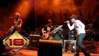 Tipe-X - Mawar Hitam (Live Konser Sei Pinyuh Pontianak 13 Juli 2006)