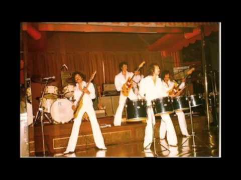 Tielman Brothers - Blueberry Hills/I Can't Stop Loving You