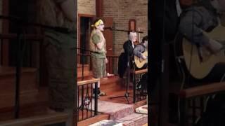 Sam Albert поёт песню лешего из к/ф новогодние приключения Маши и Вити.
