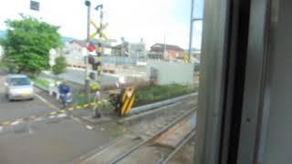 JR東日本E129系「信越本線」快速 直江津行きが長岡駅を発車(車内より)