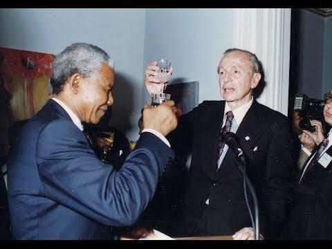 Mandela dies: Friendship with Harry Schwarz (Spanish)