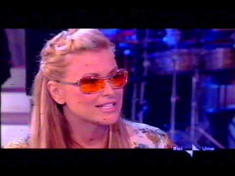 Anastacia at Domenica In Left Outside Alone + interview   04 04 2004