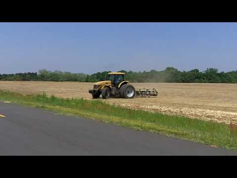 Atlantic and Southern - CH645C with 9 shank KMC ripper.MOV