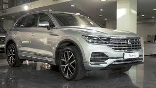 Онлайн візит до автосалону: Volkswagen Touareg