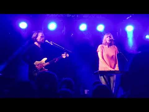 Beth Orton - Moon (live at Home Gathering, Hoult's Yard, Newcastle upon Tyne, 17/9/3017)