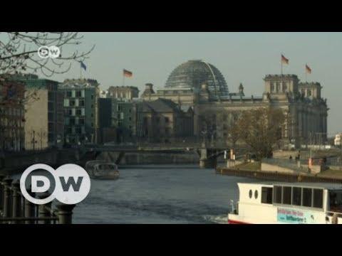 Social Democrats vote in favor of Merkel-led coalition | DW English