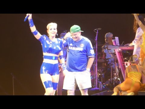 """Dad Onstage & Swish Swish"" Katy Perry@Wells Fargo Center Philadelphia 10/12/17"