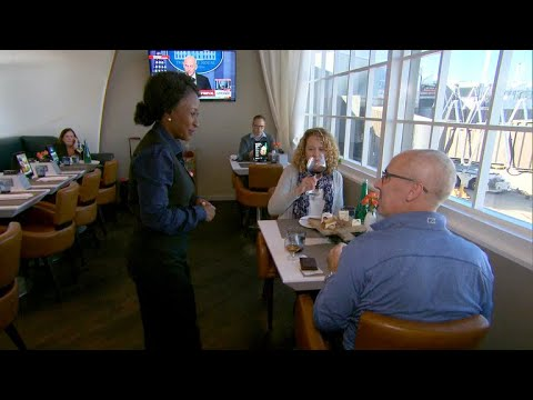 Inside United Airlines\' secret restaurant at Newark airport