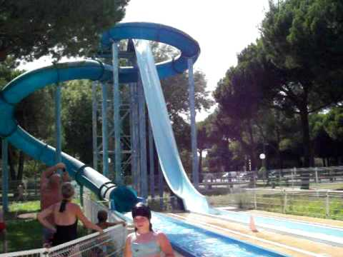 Tobogan mov youtube for Center parc piscine