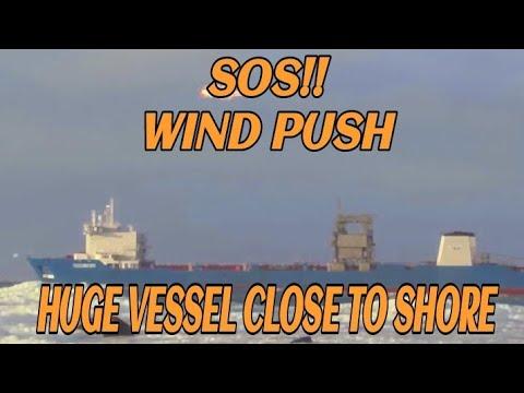 SOS!!  Tide Carrier ved Feistein Fyr og Sele Havn