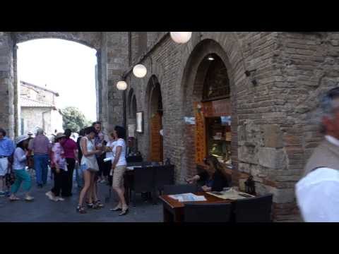 Tacky Tuscan Tourist Trap?