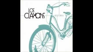 Watch Los Claxons Folkie Lovin video