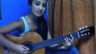Девушка красиво поёт под гитару | musicismylife.ru