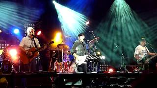 Watch Richard Thompson Now Be Thankful video