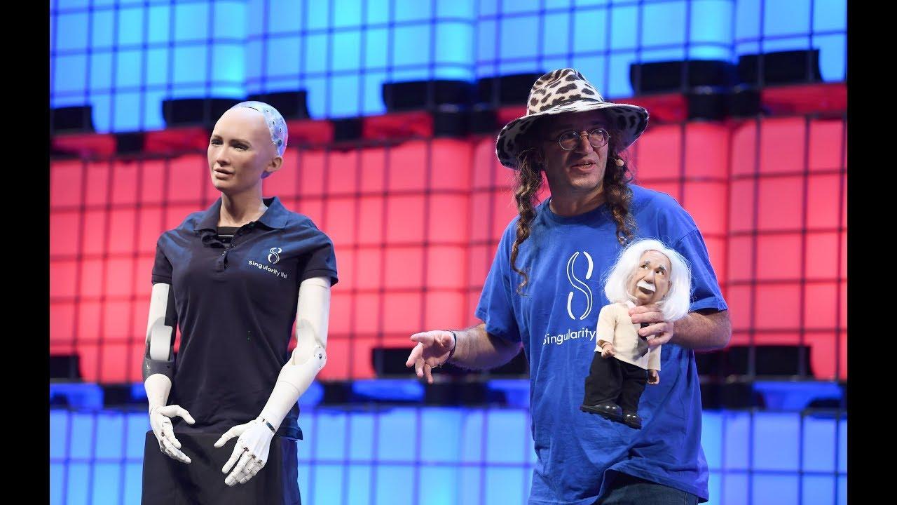 Vai dar merda? A impressionante robô Sophia não é unica!
