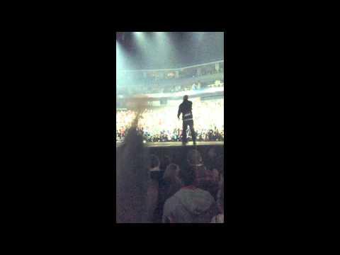 Tech N9ne Joins Kendrick Lamar On Stage | Video