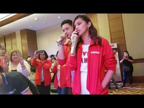 Maine and Alden try the Platinum Karaoke
