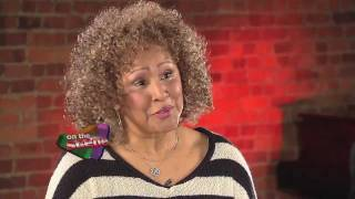 John Bathke Interviews Darlene Love On Spector, Being A Maid, Her Comeback
