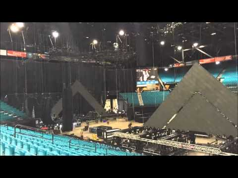 Prismatic World Tour Stage Build (Katy Perry)