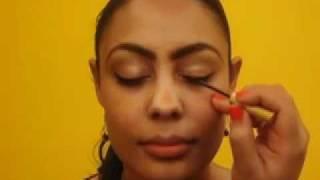 How-to Use a Shobha Brow Pencil for Glam Holiday Brows