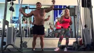 Как накачать грудь, плечи, ноги и пресс: Особенности мужского тренинга