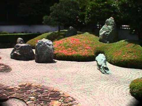 DIY Decorating Ideas For Building A Rock Garden