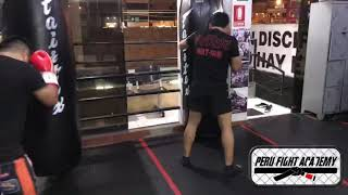 Muay thai para principiantes - Trabajo en el saco: Rectos, low kick y defensa de low kick