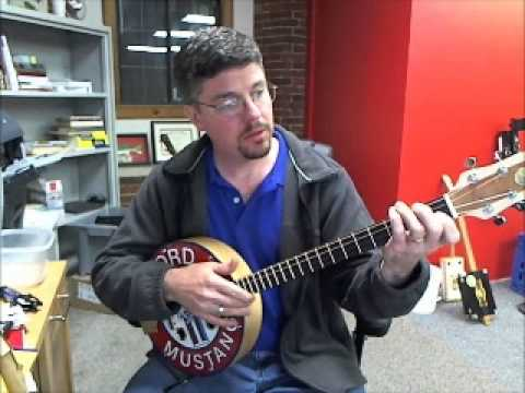 How to play standard guitar chords on 3 and 4 string instruments