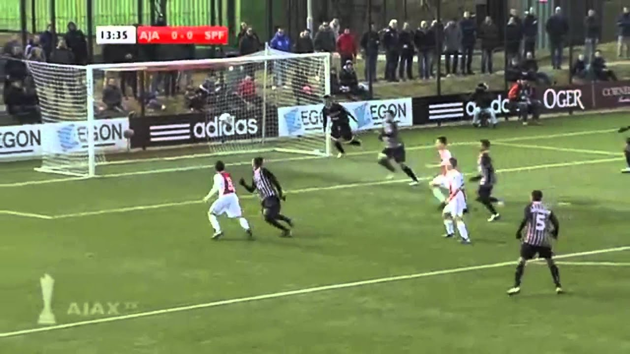 Ezra Walian The Incredible Talent Talenta Sepakbola Di Ajax Amsterdam Keturunan Indonesia