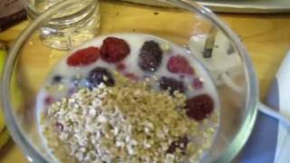Cherry In The Kitchen: Summer Berry Smoothie