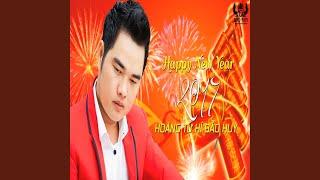 Ngay Xuan Long Phung Sum Vay