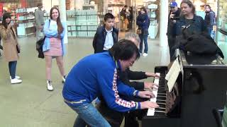 Download lagu Guy In Blue Creeped Up To The Piano...Then THIS Happened!