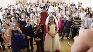 School Kids Perform Their Own Royal Wedding