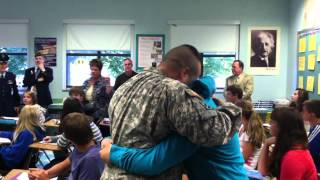 Army Staff Sgt. surprises his step daughter after being deployed for 11 months