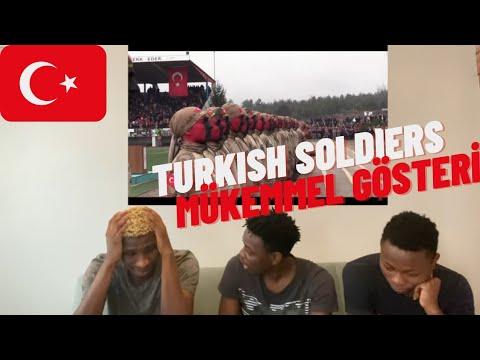 TURKISH SOLDIERS AMAZING MARCH | TÜRK ASKERLERİ MUHTEŞEM GÖSTERI | (Türkçe altyazı)